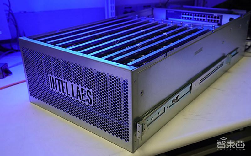 768颗芯片、1亿个神经元!电脑追上小型哺乳动物脑容量,迄今最强神经拟态系统诞生